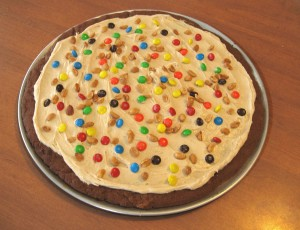 chocolate peanut butter pizza