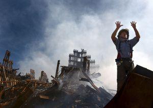 800px-WTC-Fireman_requests_10_more_colleagesa